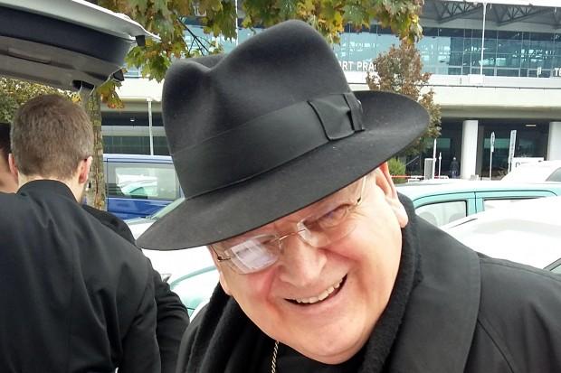Kardinál Burke: Autorita existuje pouze ve službě tradice